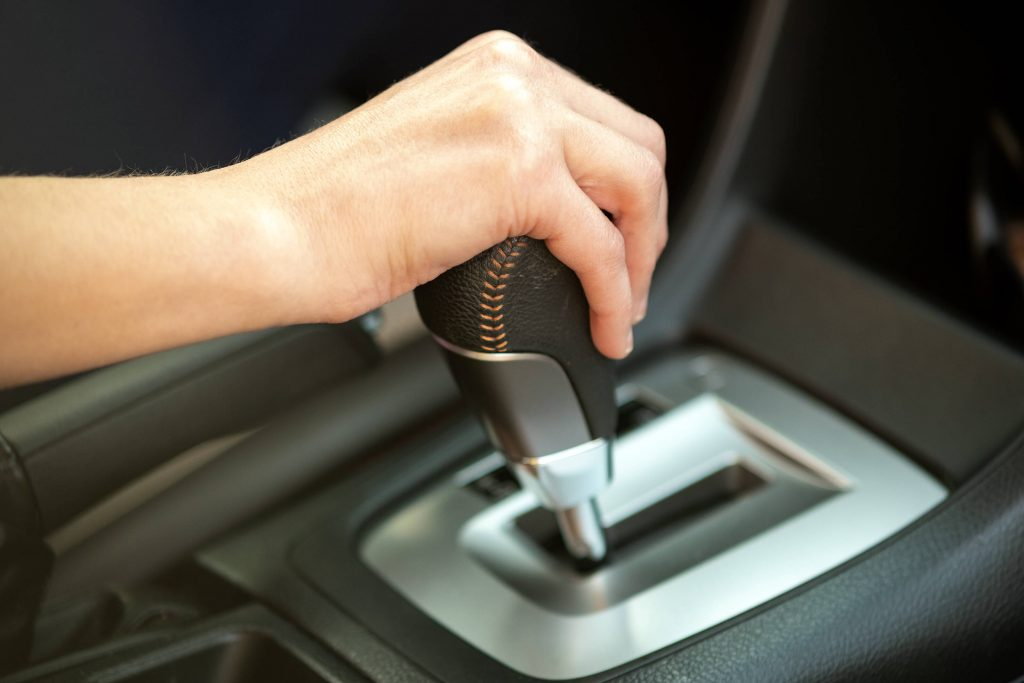 Ciri Transmisi Mobil Matic Rusak